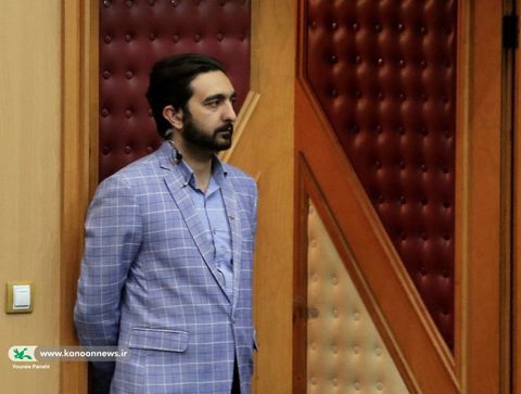 محمد دلکش دبیر انجمن «پیک امید» (امداد فرهنگی) کانون