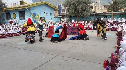نوروزیخوانی گروه نمایش کانون گیلان در مدارس رستمآباد