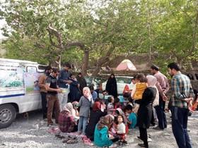 اجرای طرح عیدانه کتاب در کتابخانههای سیار روستایی کانون خراسان جنوبی