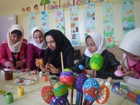 سفره آرایی نوروز با کاردستی در مراکز کانون استان