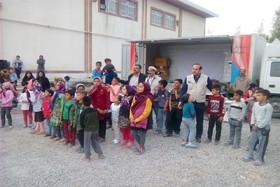 امداد فرهنگی مربیان کانون سمنان در مناطق سیلزده گلستان