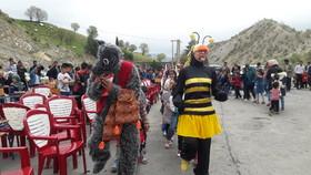 کاروان فرهنگی وپیک شادی کانون لرستان درمنطقه سیل زده معمولان