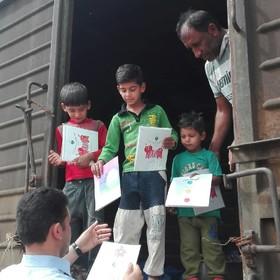 طرح امداد فرهنگی کانون در میان سیلزدگان منطقه بامدژ و خاور
