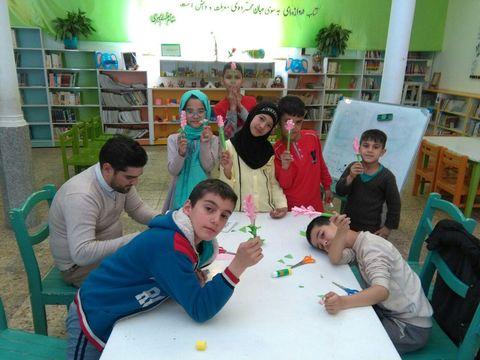 گزارش تصویری اجرای طرح عیدانهکتاب در کانون استان قم