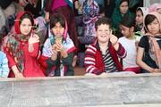 ثبت لحظههای شاد و ماندگار برای کودکان، نوجوانان و خانوادههای سیلزدهی گمیشانی