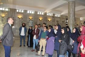 بازدید اعضای انجمن ادبی آفتاب از آرامگاه فردوسی
