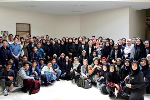 گزارش تصویری افتتاحیه انجمن ادبی «همین نزدیکی» در کانون استان قم