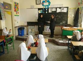 قدردانی از معلمان همکار با کتابخانه پستی تبریز
