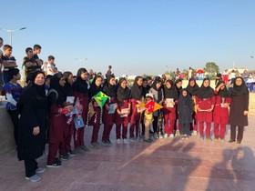 جشنواره پرواز بادبادکها ویژهی کودکان و نوجوانان سیلزده گلستانی