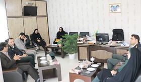 حضور پرسنل نیروی انتظامی به مناسبت هفته بزرگداشت مقام معلم در کانون پرورش فکری استان