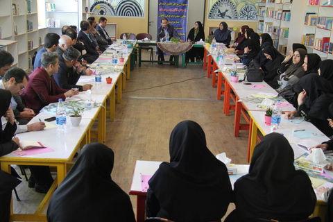 نشست مسئولان مراکز کانون آذربایجان غربی با معاون فرهنگی