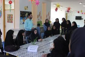 بازدید دانش آموزان مدرسه دخترانه از مرکز شماره یک کانون پارسآباد