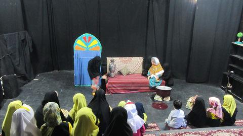 نمایش نخودی و دیو خشکسالی در خرمآباد به روی صحنه رفت