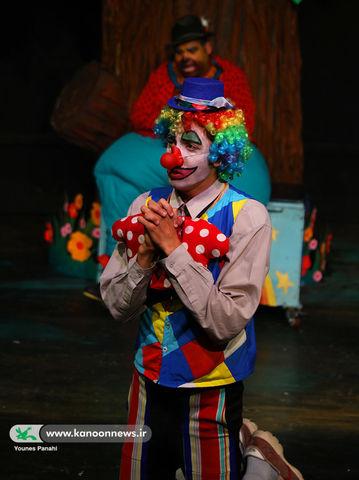 اجرای نمایش خرس آرکانسا در مرکز تئاتر کانون
