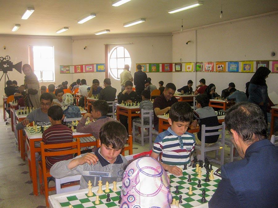 برگزاری مسابقات شطرنج جام رمضان در مرکز صالح آباد