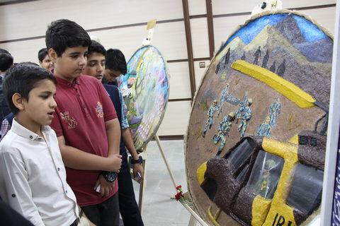 نمایشگاه مهرواره « از تبار باران » در کرمان افتتاح شد