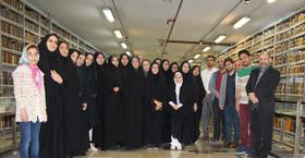 گزارش تصویری بازدید مدیرکل کانون استان قم به همراه کارشناسان و مربیان از کتابخانه آیتالله مرعشینجفی