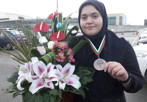 مقام سوم جهان و مدال برنز مسابقه زیست شناسی در روسیه به دختر نوجوان سنندجی رسید