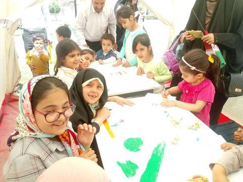 ایستگاه نقاشی وحضور گرم کودکان و نوجوانان زنجانی در  روز قدس