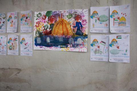 ایستگاه نقاشی در مسیر راهپیمایی روز قدس