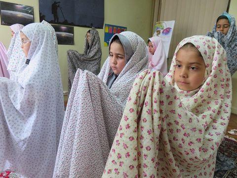 شمیم خوش رمضان با برگزاری نماز جماعت در مرکز یک بجنورد