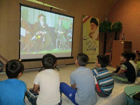 گرامیداشت سالروز رحلت امام خمینی(ره) در مراکز فرهنگیهنری کانون گلستان