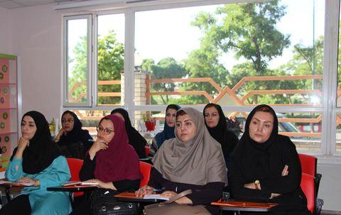 نشست تخصصی مربیان کانون در سنندج
