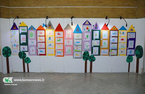 گشایش نمایشگاه «قابی از لبخند ناب» کودکان سیلزده در کانون