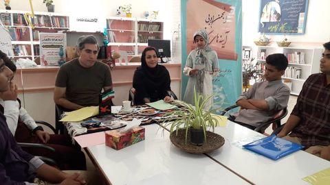 دومین نشست انجمن ادبی آینههای ناگهان مراکز پنجگانه کانون شهرستان  اندیمشک