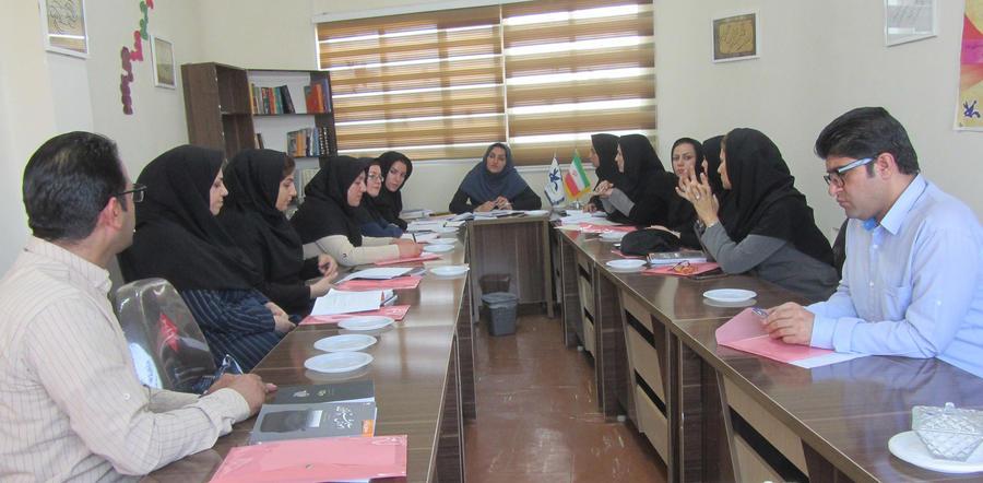 مربیان ادبی کانون لرستان گرد هم آمدند