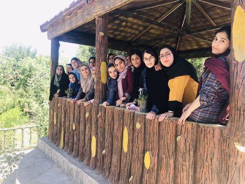 مطالعهی شعر بزرگان ادب فارسی، مسیر بهتر زندگی کردن را به ما نشان میدهد