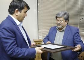 مدیرکل کانون پرورش فکری استان با استانداریزد، دیدار کرد