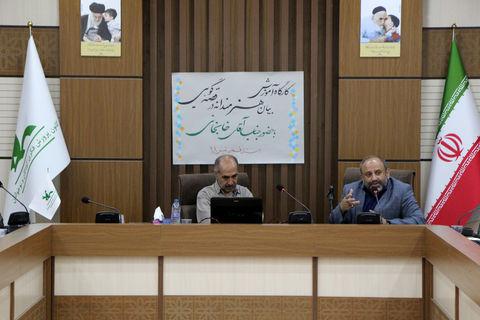 گزارشتصویری کارگاه آموزشی «بیان هنرمندانه در قصهگویی» با حضور علی خانجانی در کانون قم