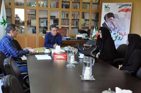 دیدار و گفتگوی نویسندگان کودک با مدیرکل کانون استان اردبیل