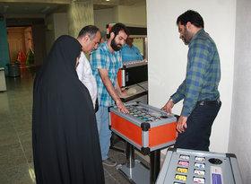 بازدید معاون تولید کانون از بخش فیزیک مرکز تخصصی علوم بندرعباس