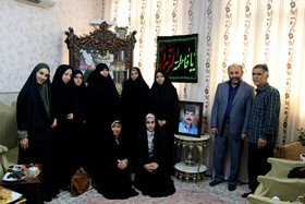 دیدار مدیر کل کانون استان قم از خانواده شهید بزرگوار، پدر عضو مرکز شماره ۱