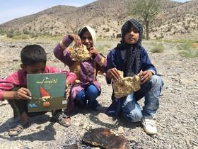 تابستان شاد کانون در کتابخانه سیار روستایی نهبندان