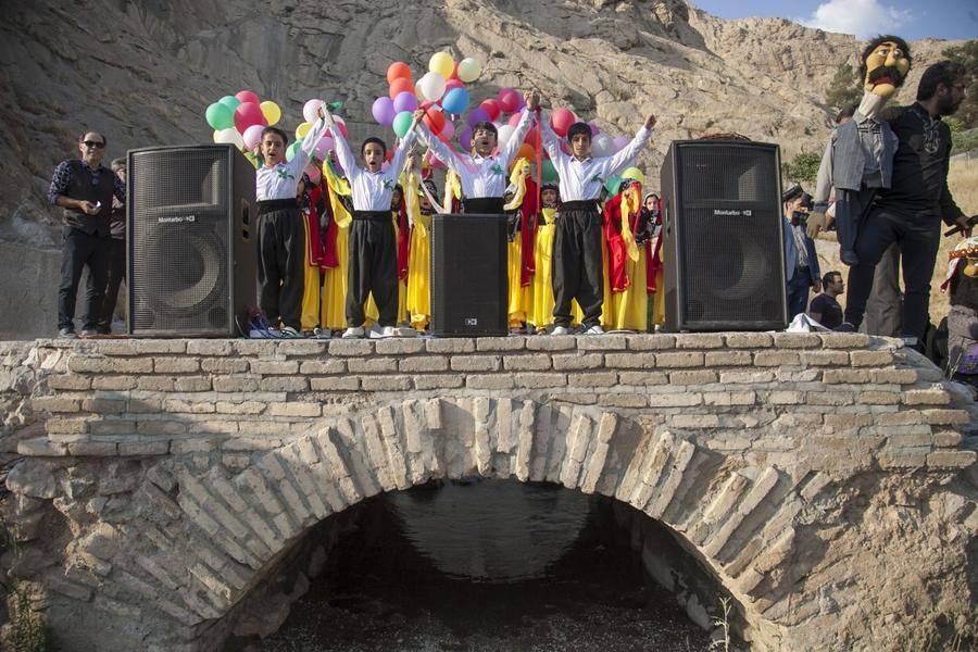 برگزاری آیین شادپیمایی عروسکها همزمان با دومین جشنواره ملی پویانمایی در کرمانشاه
