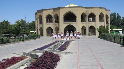 ضبط سرود دوزبانه (فارسی-ترکی ) کانون در پارک ائلگلی تبریز