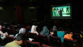فیلم سینمایی«ضربه فنی» در سالن آمفیتئاتر کانون لرستان  اکران شد