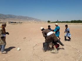 اجرای بازی های بومی محلی در روستای ده باقر خرم آباد
