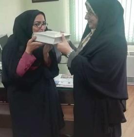 تقدیر از مربی مسئول مرکز فرهنگی هنری شماره 2 صفاشهر