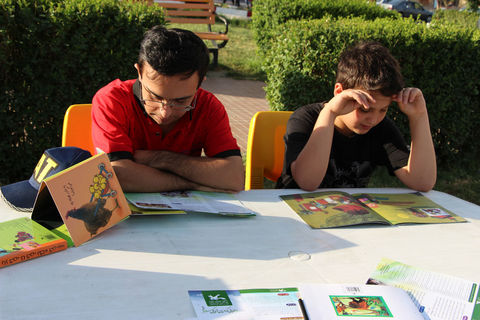 طرح پویش فصل گرم کتاب در سنندج به روایت تصویر