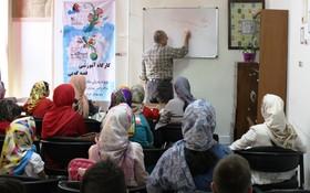 کارگاههای آموزشی قصه گویی برای اعضای مراکز فرهنگی و هنری کانون استان قزوین