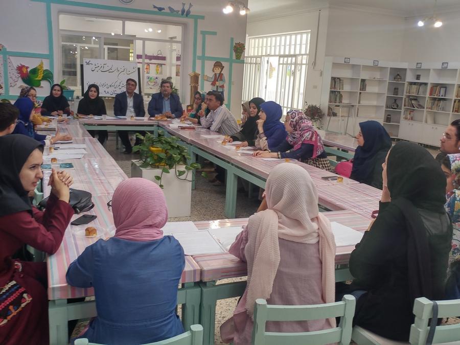 پنجمین نشست انجمن داستان آفرینش، در یزد برگزار شد