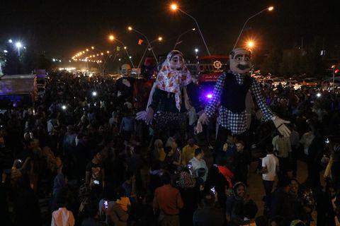 شبهای پایانی شادپیمایی عروسکهای غولپیکر در کرمان