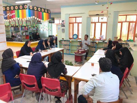 کارگاه آموزشی سفالگری و استفاده از چرخ سفال ویژه مربیان تخصصی هنری در جویبار