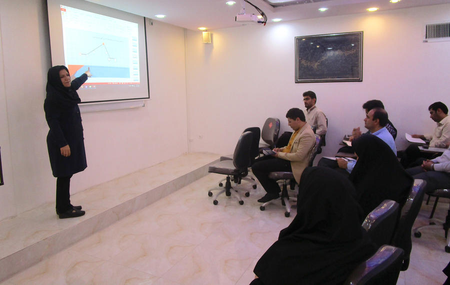 کارگاه تخصصی اصول وفنون قصهگویی درخرم آباد