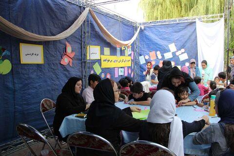 پویش ملی فصل گرم کتاب و گشایش کتابخانه سیار در گرمدره کرج