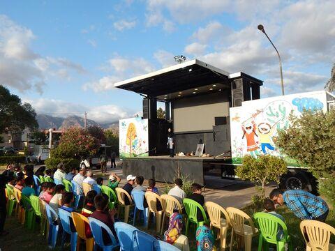 روایت تصویری سفر پیک امید و تماشاخانه سیار کانون به شهرستان رودبار